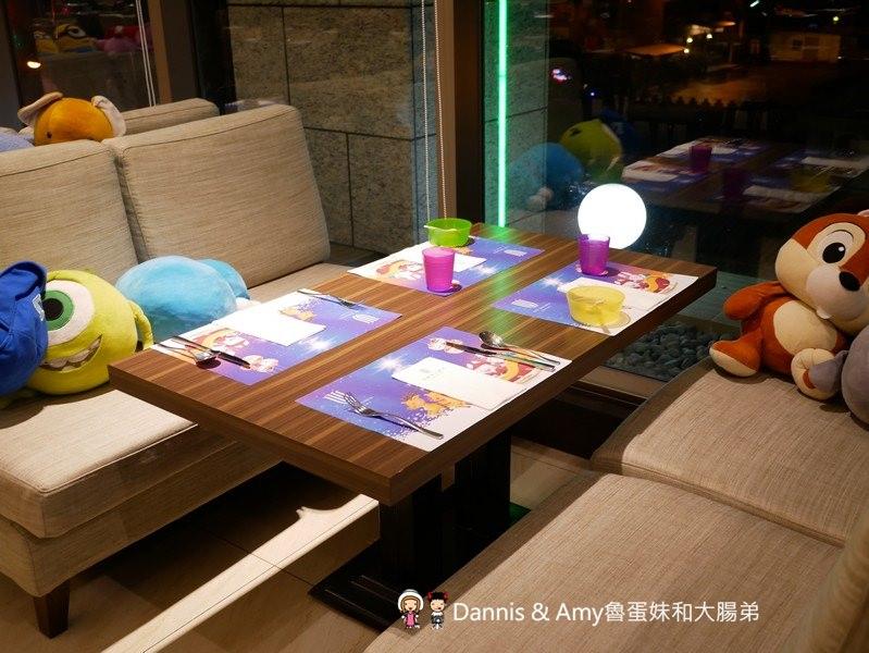 《宜蘭住宿》悅川酒店主題彩繪親子家庭房。大球池x碰碰車x電動賽車待一整天也不無聊的親子飯店|一泊二食心得評價(影片)